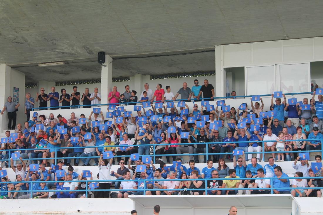 Aficion-de-la-UD-Almansa-en-el-Paco-Simon