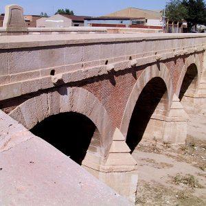 Puente Carlos IV